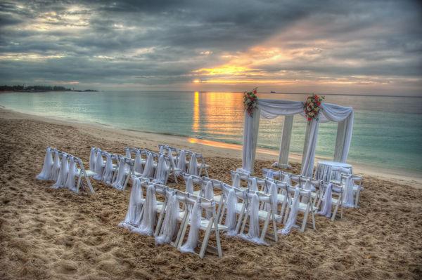 7 secrets to choosing your island wedding venue wedding on the beach junglespirit Image collections