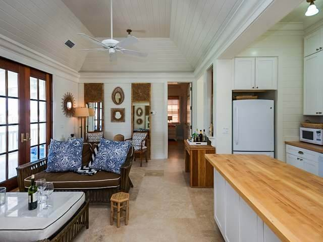 10. Single Family Homes for Sale at Carioca Cottage Schooner Bay, Abaco, Bahamas