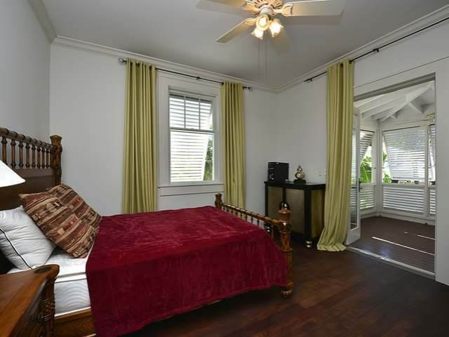14. Single Family Homes for Sale at Old Fort Bay, Nassau And Paradise Island, Bahamas
