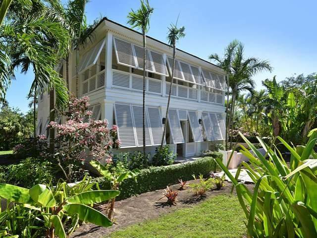 2. Single Family Homes for Sale at Old Fort Bay, Nassau And Paradise Island, Bahamas