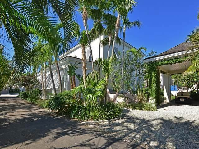 22. Single Family Homes for Sale at Old Fort Bay, Nassau And Paradise Island, Bahamas