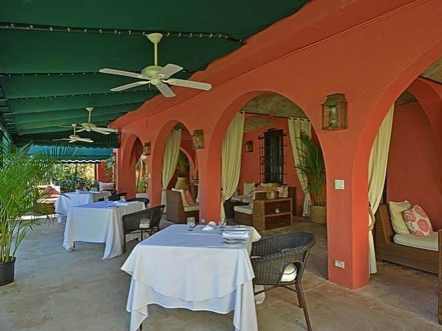 27. Single Family Homes for Sale at Old Fort Bay, Nassau And Paradise Island, Bahamas