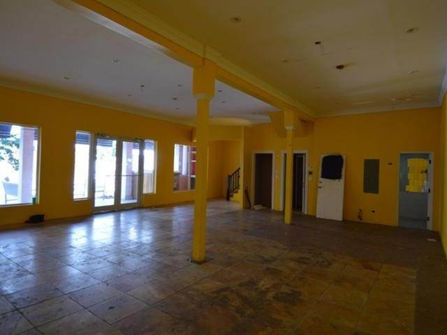 4. Business Opportunity for Rent at Downtown, Nassau And Paradise Island, Bahamas