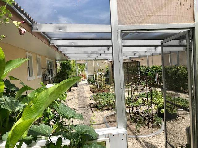 38. Single Family Homes for Sale at Lucaya, Freeport And Grand Bahama, Bahamas