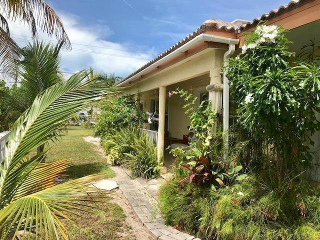 4. Single Family Homes for Sale at Lucaya, Freeport And Grand Bahama, Bahamas