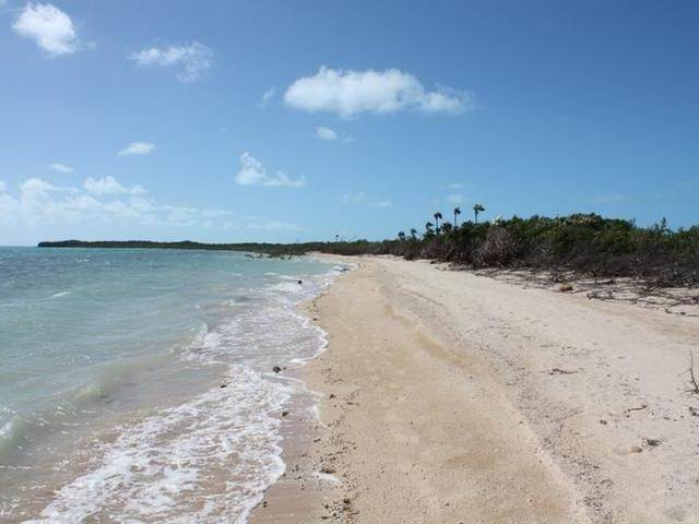 Terreno por un Venta en 15A - 5 Acre Lot Salt Pond, Long Island, Bahamas