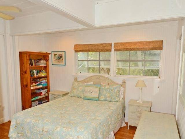 28. Single Family Homes for Sale at Elbow Cay Hope Town, Abaco, Bahamas