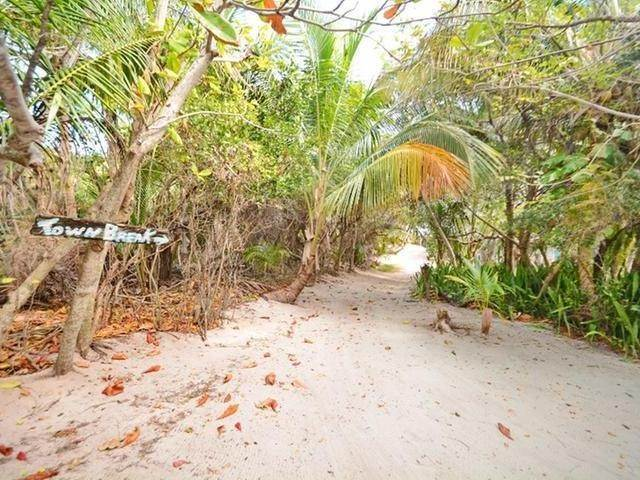 62. Single Family Homes for Sale at Elbow Cay Hope Town, Abaco, Bahamas