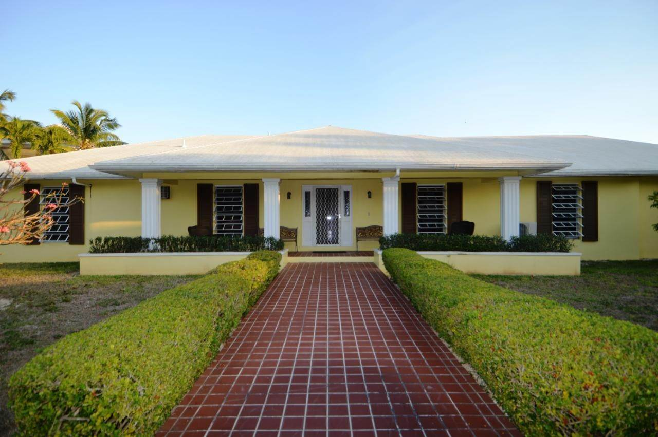 Single Family Homes por un Venta en Peaceful Canal Home Port New Providence, Yamacraw, Nueva Providencia / Nassau Bahamas