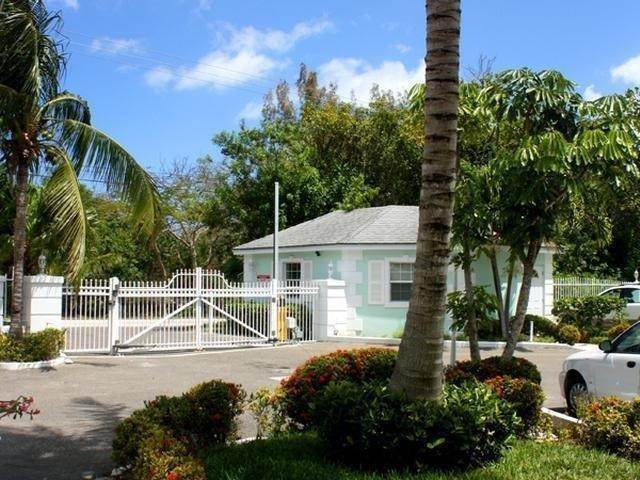 54. Co-op / Condo for Sale at Royall Beach Estates, South Ocean, Nassau And Paradise Island Bahamas