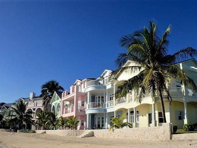 62. Co-op / Condo for Sale at Royall Beach Estates, South Ocean, Nassau And Paradise Island Bahamas