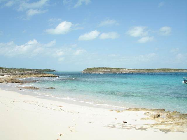 4. Private Islands for Sale at Berry Islands, Bahamas