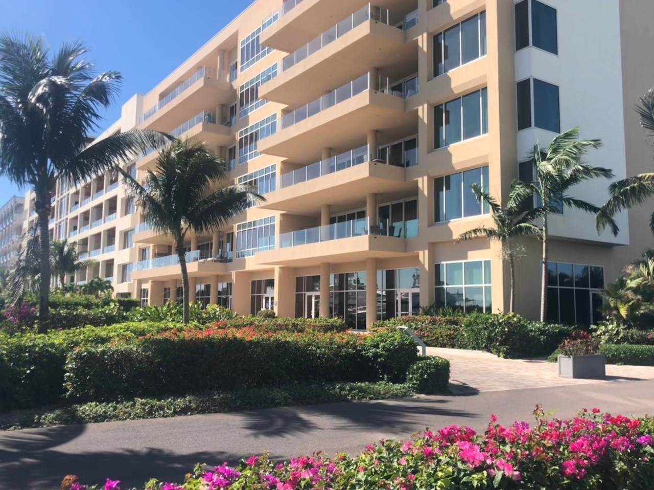 31. Co-op / Condo for Sale at Albany Luxury Condo Albany, Nassau And Paradise Island, Bahamas