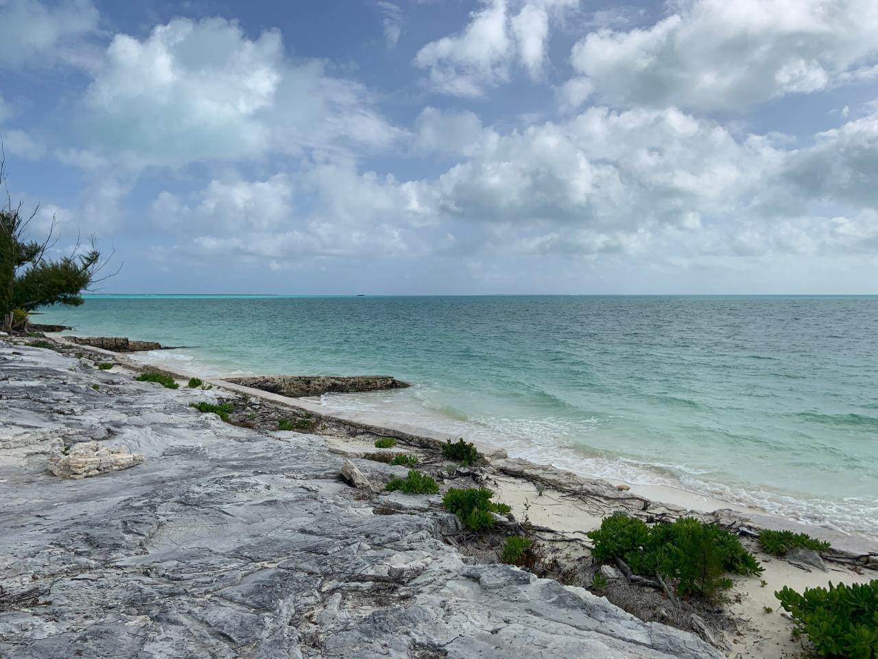 4. Terreno por un Venta en Lot 13 Treasure Cay, Abaco, Bahamas