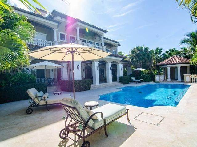 32. Single Family Homes for Sale at Lyford Cay, Nassau And Paradise Island, Bahamas