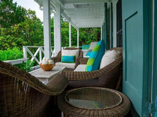 22. Single Family Homes for Sale at Harbour Island, Eleuthera, Bahamas