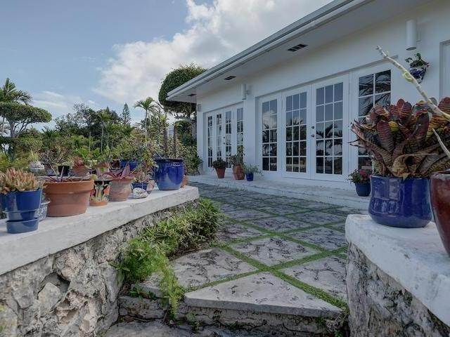 14. Single Family Homes for Sale at Chickcharney Camperdown Heights, Eastern Road, Nassau And Paradise Island Bahamas