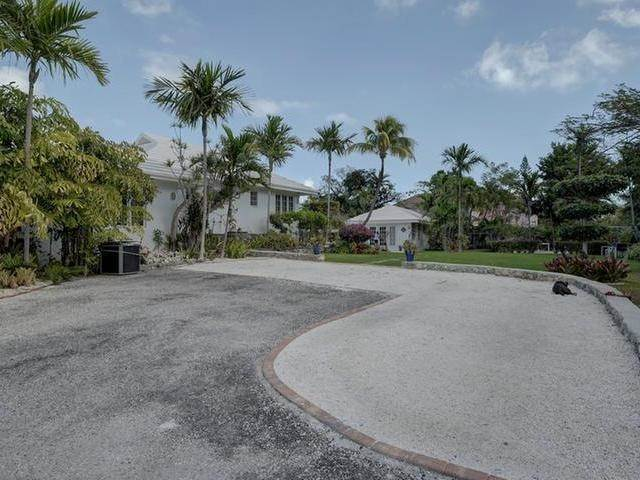 34. Single Family Homes for Sale at Chickcharney Camperdown Heights, Eastern Road, Nassau And Paradise Island Bahamas