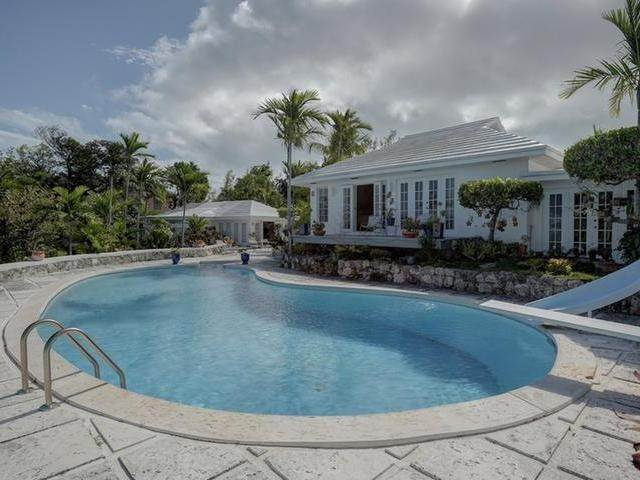 42. Single Family Homes for Sale at Chickcharney Camperdown Heights, Eastern Road, Nassau And Paradise Island Bahamas