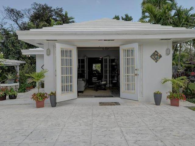 51. Single Family Homes for Sale at Chickcharney Camperdown Heights, Eastern Road, Nassau And Paradise Island Bahamas