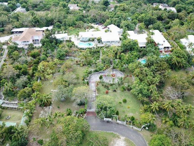 7. Single Family Homes for Sale at Chickcharney Camperdown Heights, Eastern Road, Nassau And Paradise Island Bahamas