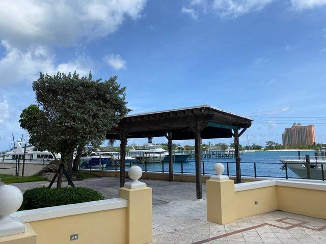 4. Building for Rent at Green Roofs East Bay Street, Nassau And Paradise Island, Bahamas