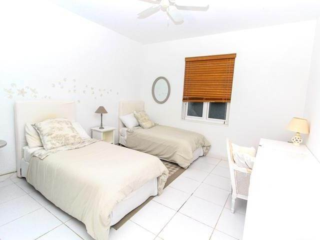 21. Single Family Homes por un Venta en Canal front home Fortune Bay, Gran Bahama Freeport, Bahamas