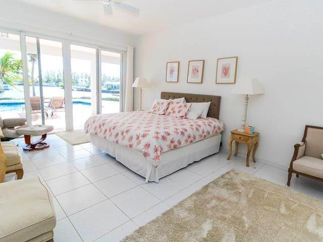 27. Single Family Homes por un Venta en Canal front home Fortune Bay, Gran Bahama Freeport, Bahamas