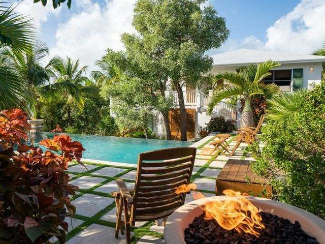 12. Single Family Homes for Sale at Current House Current, Eleuthera, Bahamas