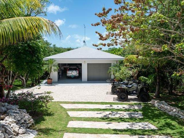 34. Single Family Homes for Sale at Current House Current, Eleuthera, Bahamas