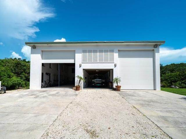 37. Single Family Homes for Sale at Current House Current, Eleuthera, Bahamas