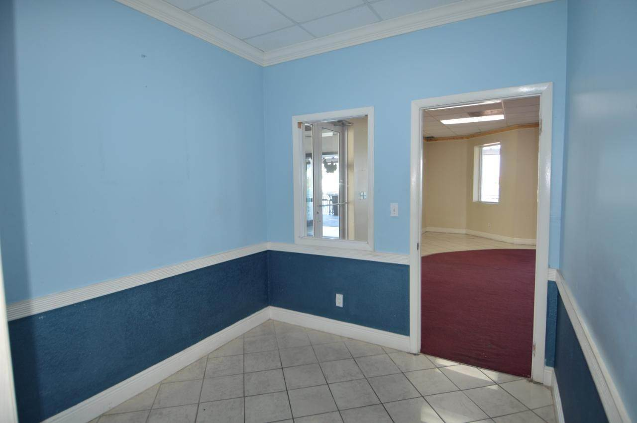 3. Building for Rent at West Bay Street, Nassau And Paradise Island, Bahamas