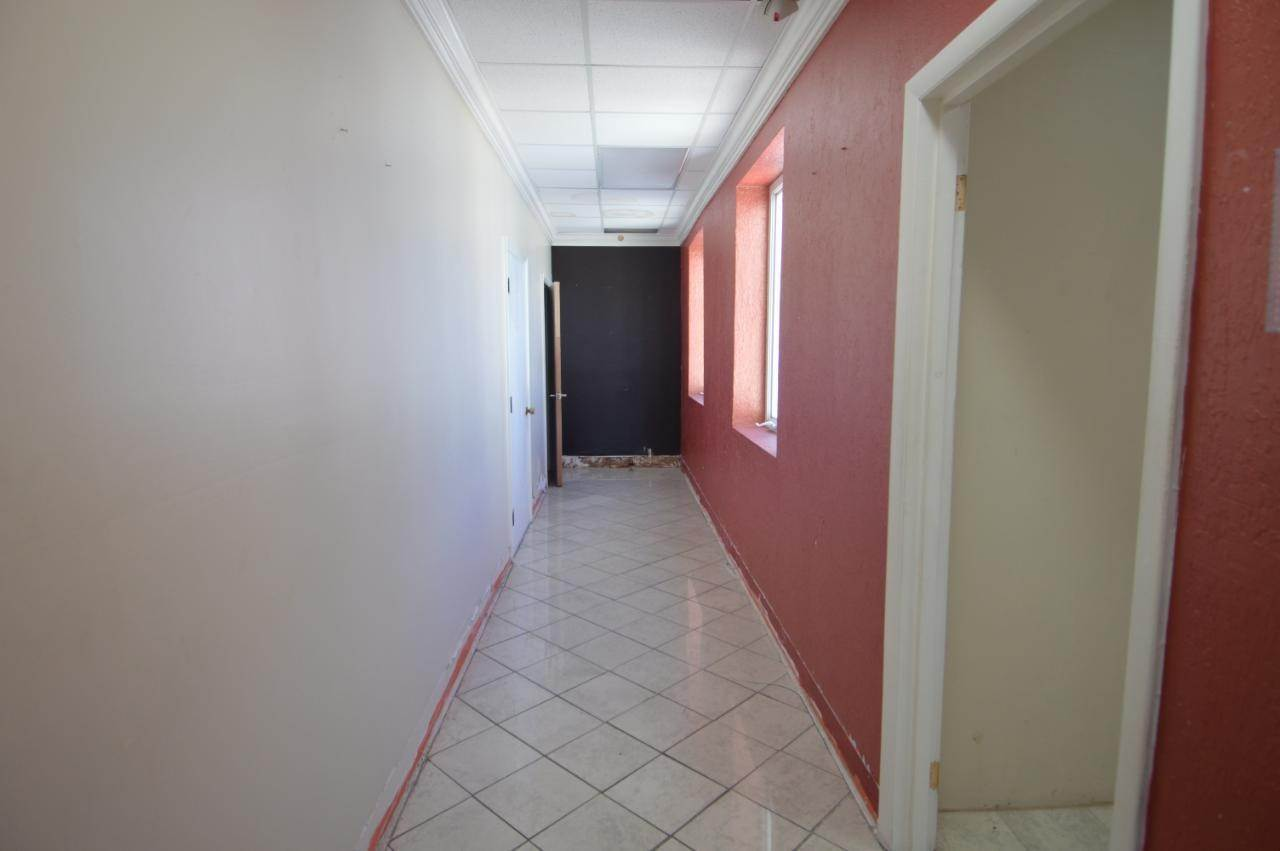 4. Building for Rent at West Bay Street, Nassau And Paradise Island, Bahamas