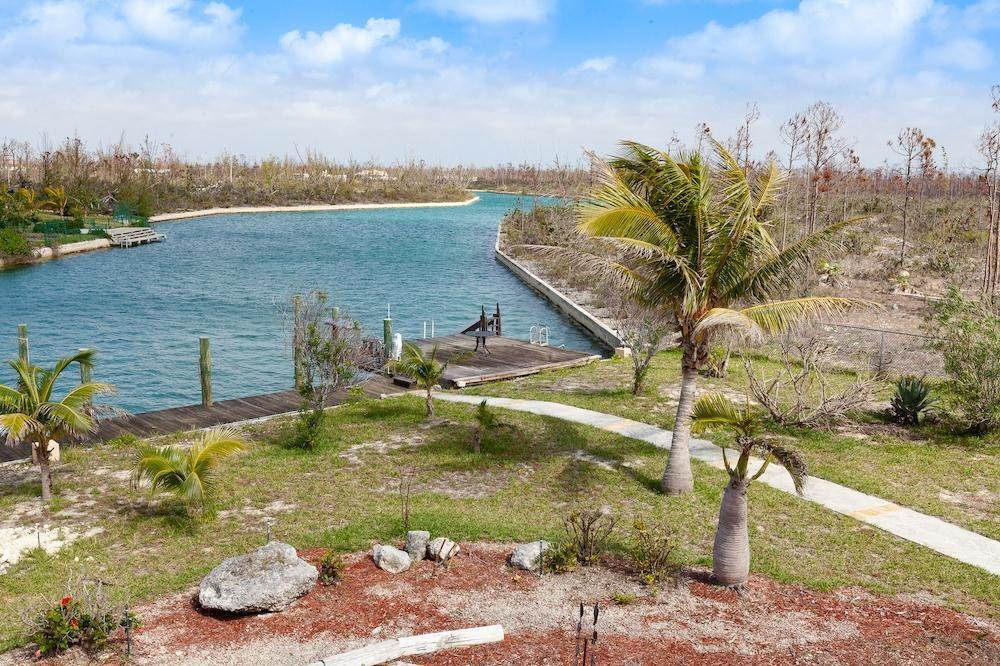 18. Single Family Homes for Sale at Lucaya, Freeport And Grand Bahama, Bahamas