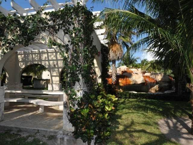 23. Co-op / Condo for Rent at Turnberry Townhouse Turnberry, Charlotteville, Nassau And Paradise Island Bahamas
