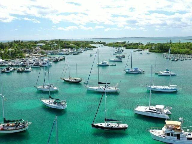 46. Single Family Homes por un Venta en Man-O-War Cay, Abaco, Bahamas
