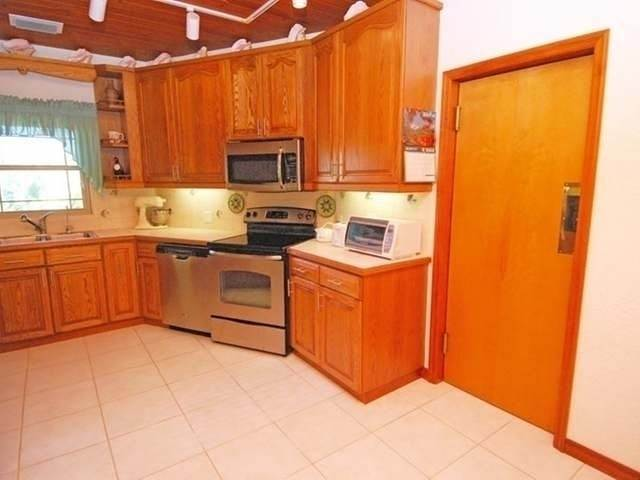 30. Single Family Homes for Sale at Leisure Lee, Abaco, Bahamas