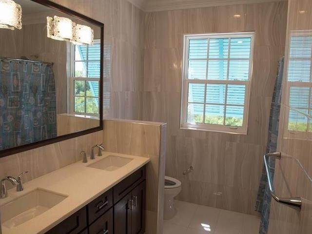 11. Single Family Homes for Rent at Charlotteville, Nassau And Paradise Island, Bahamas