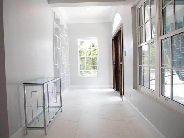 8. Single Family Homes for Rent at Charlotteville, Nassau And Paradise Island, Bahamas