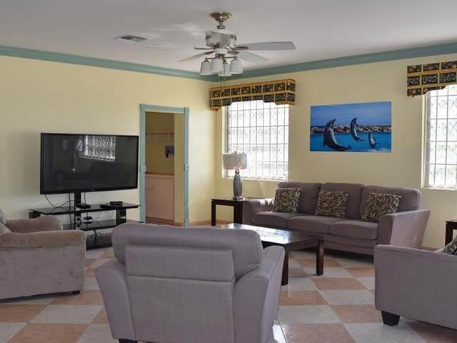 11. Single Family Homes for Rent at Lake Cunningham, Nassau And Paradise Island, Bahamas