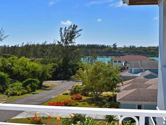 14. Single Family Homes for Rent at Lake Cunningham, Nassau And Paradise Island, Bahamas