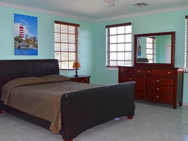 17. Single Family Homes for Rent at Lake Cunningham, Nassau And Paradise Island, Bahamas