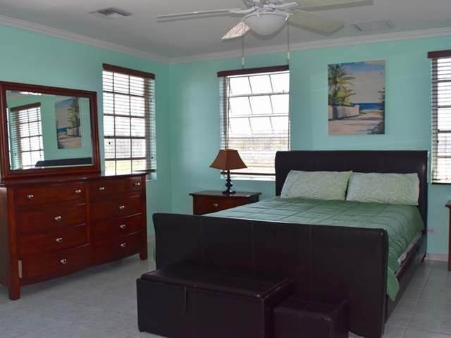 19. Single Family Homes for Rent at Lake Cunningham, Nassau And Paradise Island, Bahamas