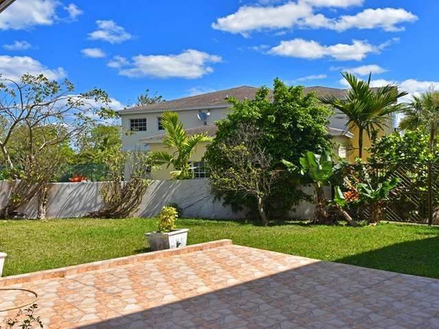 25. Single Family Homes for Rent at Lake Cunningham, Nassau And Paradise Island, Bahamas