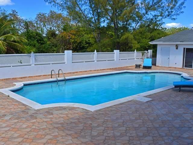 26. Single Family Homes for Rent at Lake Cunningham, Nassau And Paradise Island, Bahamas