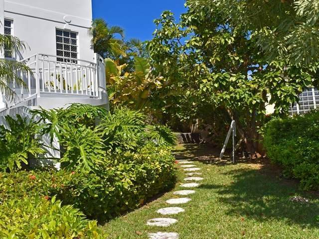 3. Single Family Homes for Rent at Lake Cunningham, Nassau And Paradise Island, Bahamas