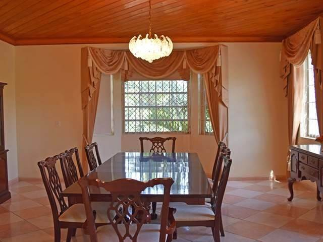 7. Single Family Homes for Rent at Lake Cunningham, Nassau And Paradise Island, Bahamas