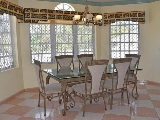9. Single Family Homes for Rent at Lake Cunningham, Nassau And Paradise Island, Bahamas