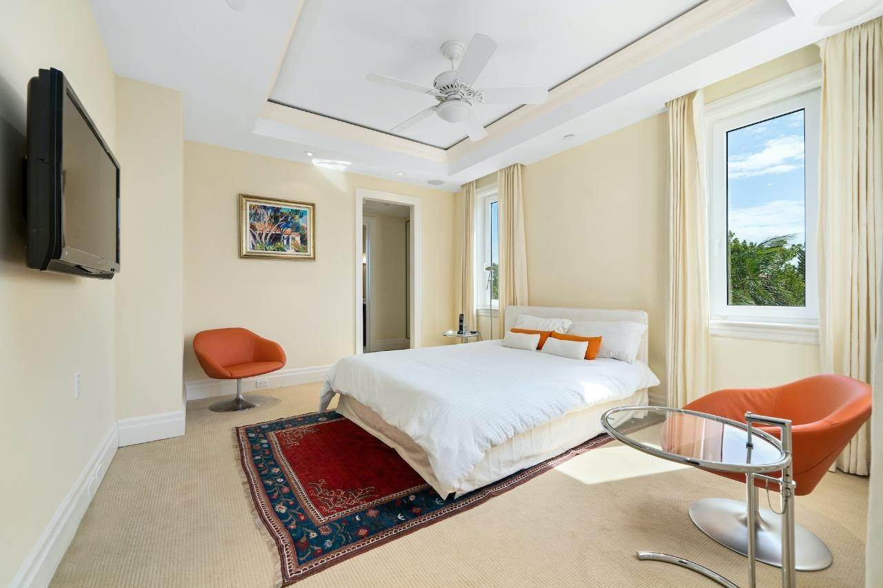 16. Co-op / Condo for Sale at Ocean Club Residence Ocean Club Estates, Paradise Island, Nassau And Paradise Island Bahamas