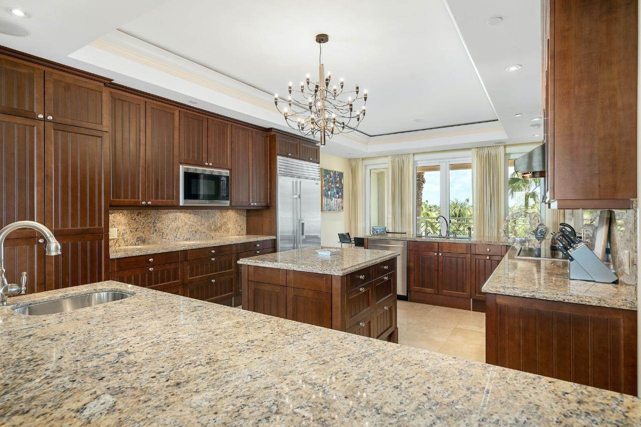 8. Co-op / Condo for Sale at Ocean Club Residence Ocean Club Estates, Paradise Island, Nassau And Paradise Island Bahamas